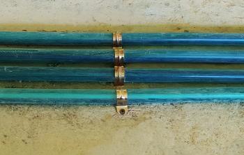 镀锌管夹固定